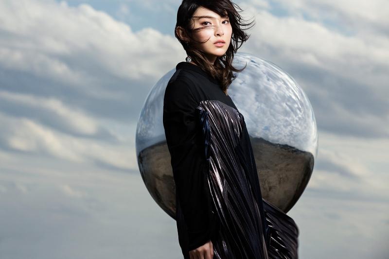 【主題歌】映画 コードギアス 復活のルルーシュ OP「この世界で」/家入レオ 完全生産限定盤