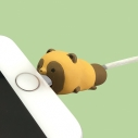 【グッズ-携帯グッズ】タヌキとキツネ CABLE BITE 01タヌキの画像